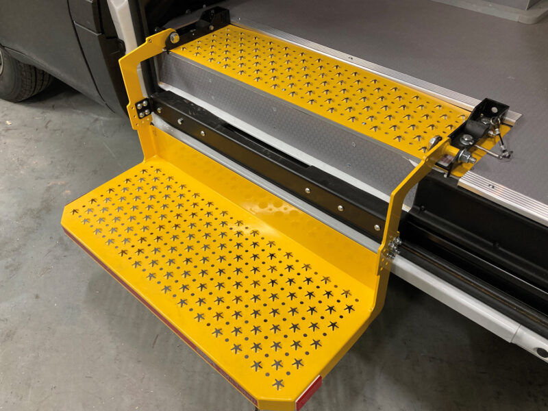 VLS Gallery Yellow Step